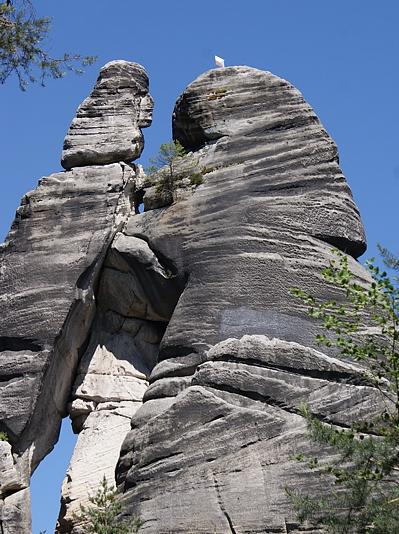 Kochankowie (Milenci) – najwyższa i najbardziej znana forma skalna w Skałach Adrszpaskich