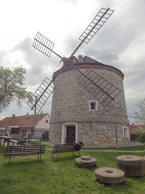 Rudice: Wiatrak (Větrný Mlýn) z 1865 roku.