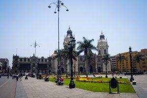 20181031  A310659 1 300x200 - Obchody Wszystkich Świętych w Limie