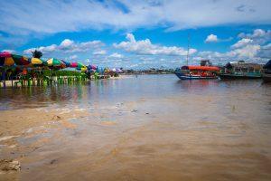 20181103  B030781 300x200 - Iquitos w Peru - tu nie dotrzesz lądem!