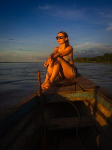 20181104  B041186 225x300 - Iquitos w Peru - tu nie dotrzesz lądem!