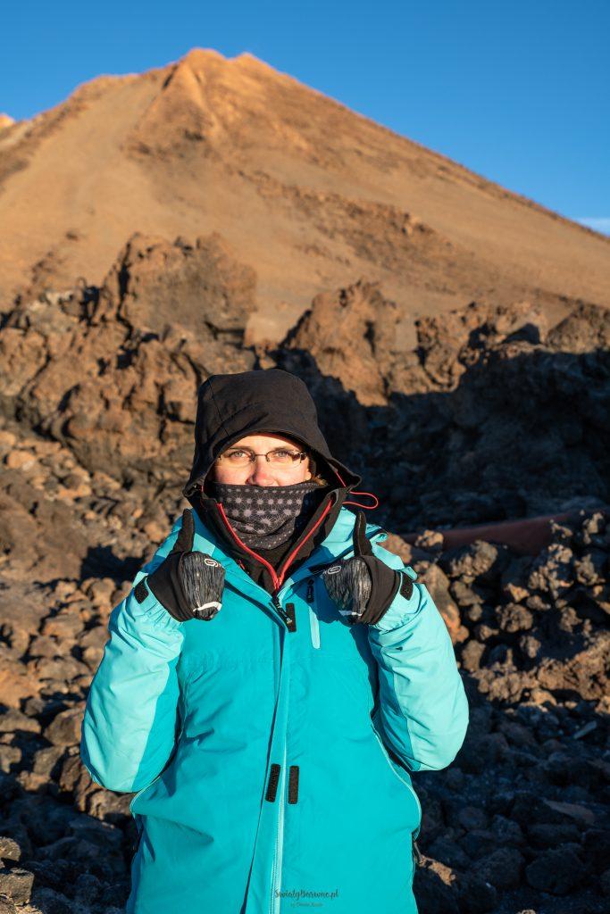 Dorota Kozub ze szczytem Teide o wschodzie słońca