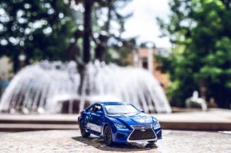 leasing financing - blue toy car