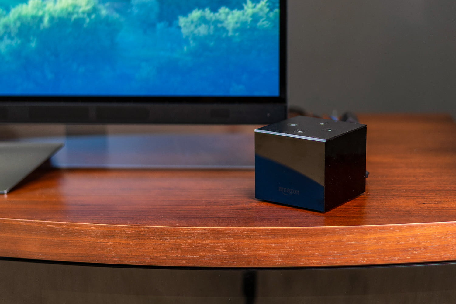 fire tv cube vs apple tv 4k