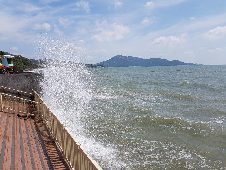 上長沙泳灘 – 暢游香港