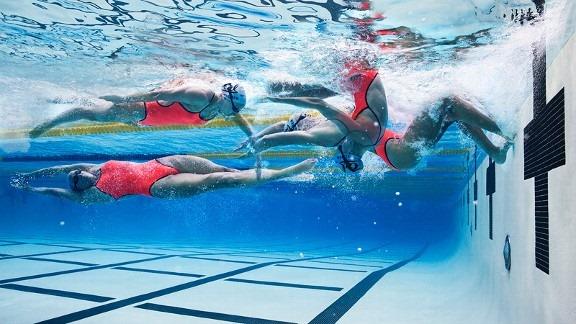 Swimming Game – Flip Turn or Open Turn Race