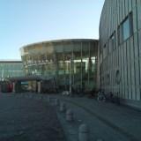 横浜国際プールの入り口の写真