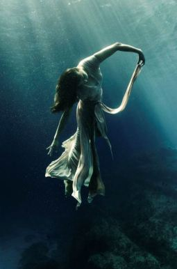 i wish i were dancing in the deep