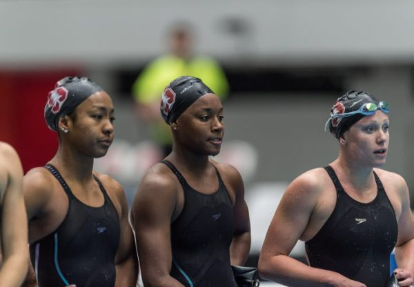 Stanford Breaks American and NCAA Record in 200 Free Relay ...