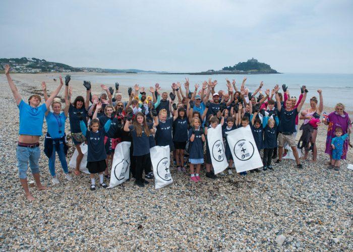 speedo-surfers-against-sewage-beach-clean