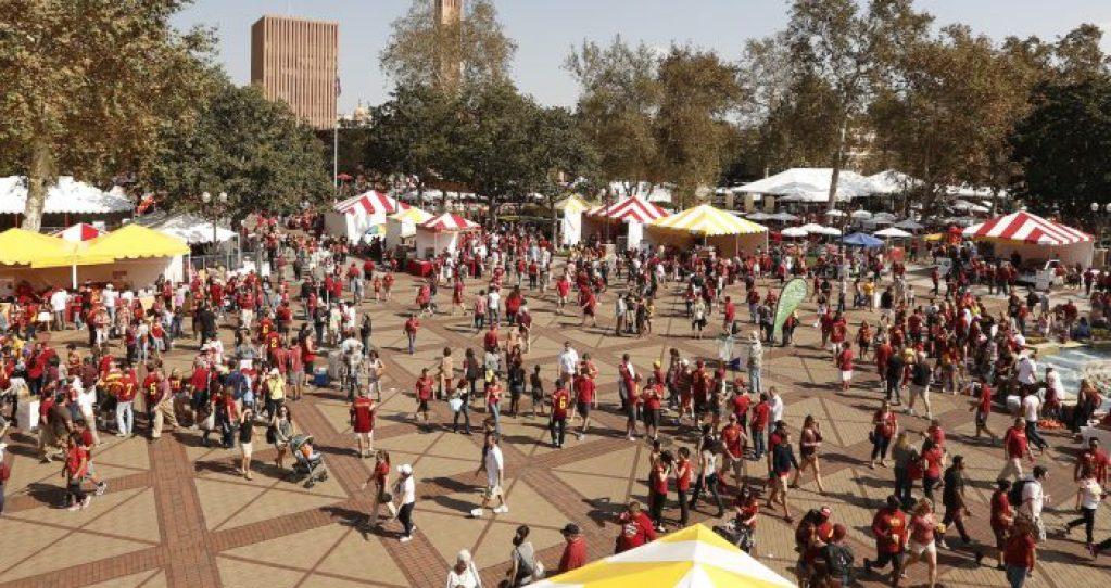 10/18/14 Los Angeles, CA USC Alumni Association Homecoming Photo by: Steve Cohn © 2014 (310) 277-2054 www.stevecohnphotography.com