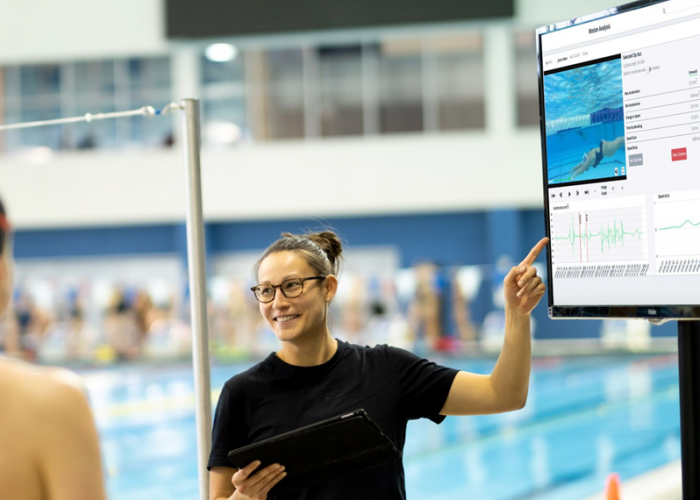 Triton Wear 2 coach and swimming analytics