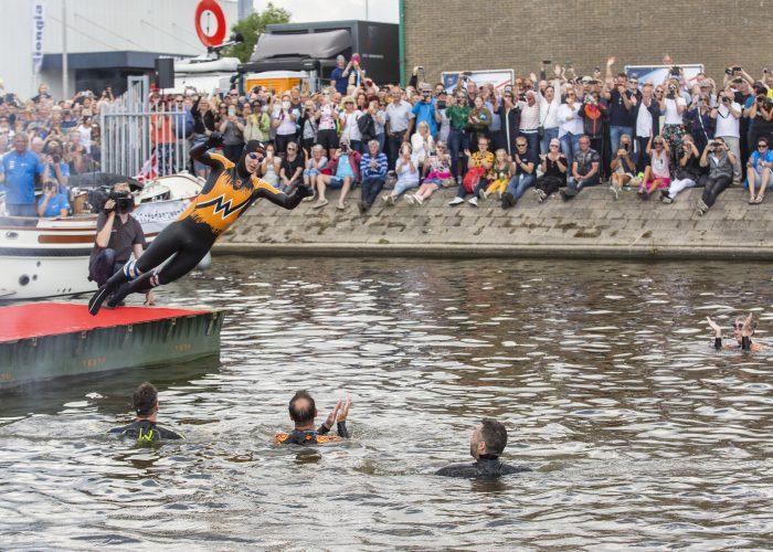 open-water-maarten-van-der-weijden-elfstedentocht-finish