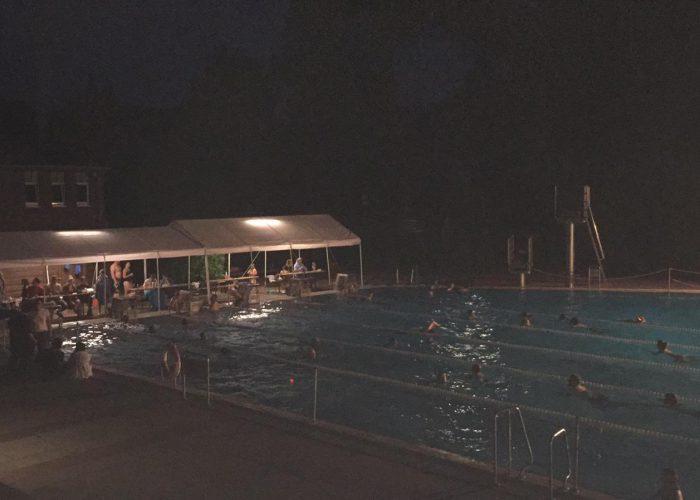bienenbuttel-pool-at-night-2