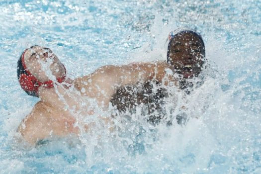 Lima, Tuesday, August 6, 2019 - Mark Spooner from Canada struggles with Danilo Palacio from Cuba during the Men's Group A Preliminary Waterpolo match at Villa María del Triunfo during Pan American Games Lima 2019. Copyright Paul Vallejos / Lima 2019 Mandatory credits: Lima 2019 NO SALES NO ARCHIVES **