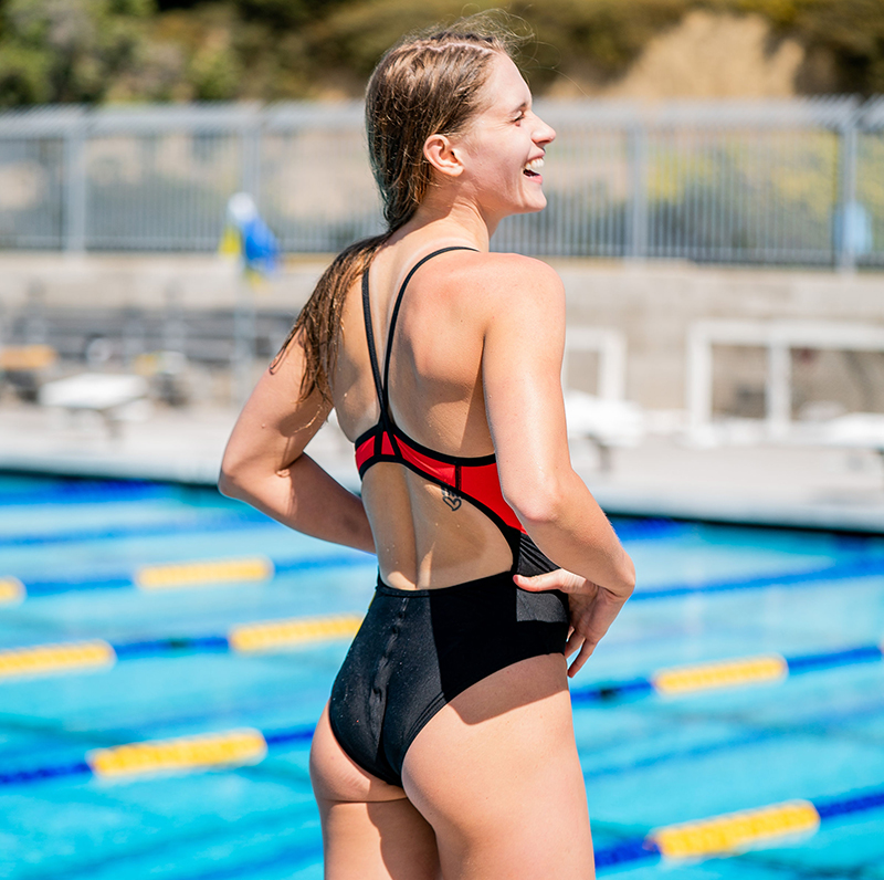 finis-olivia-smoliga-training-swimwear-women-back