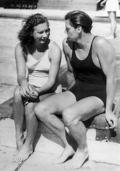 Helene_Madison_and_Johnny_Weissmuller_1932