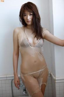 mai-hakase-takes-bath-gi-04