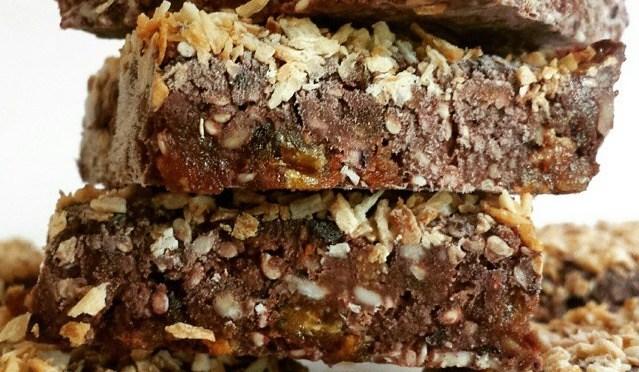 RECIPE: Chocoberry protein energy bars