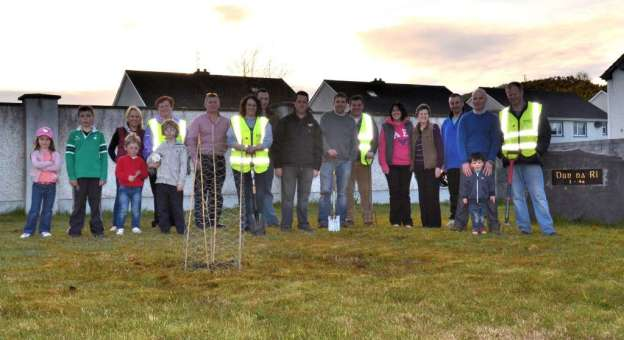 one million trees in one day planting volunteers