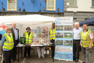 Mutt Mitts with Swinford Tidy Towns