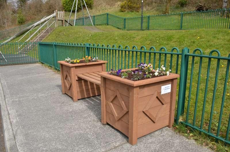 swinford-playground-planters-may_2001