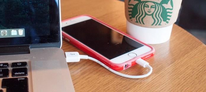 iPhone用の超短い(10cm)ライトニングケーブルがおすすめすぎる! Amazonオリジナル品。
