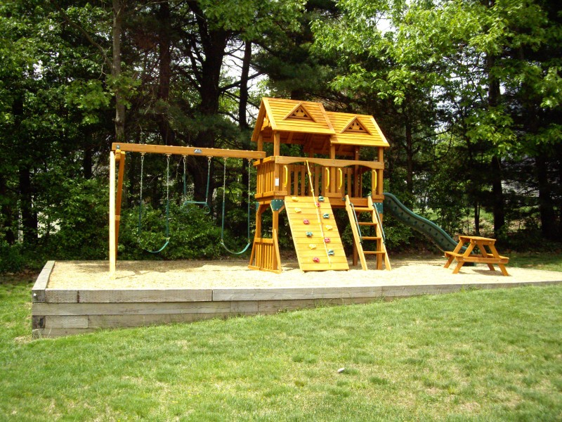 gorilla-swing-set-installer-9620