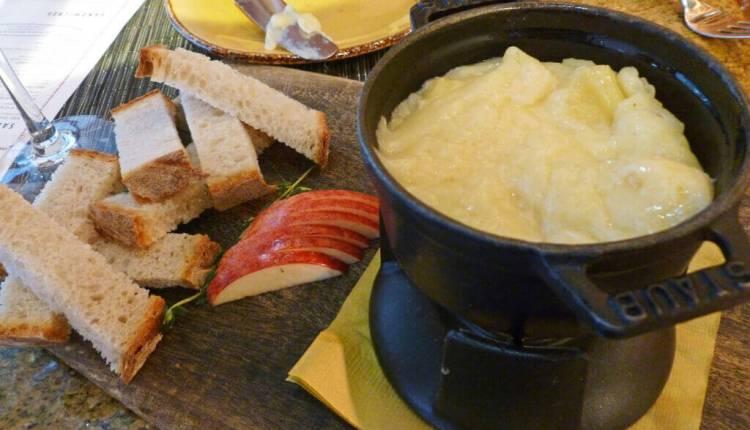 where-to-eat-cheese-fondue-in-switzerland-img3