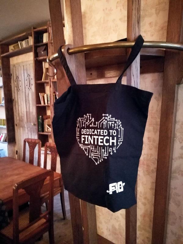 F10 - Fintech - start-up