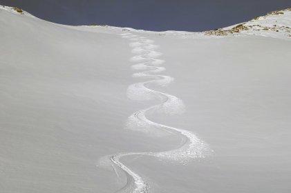 Tracks below Pischa Horn