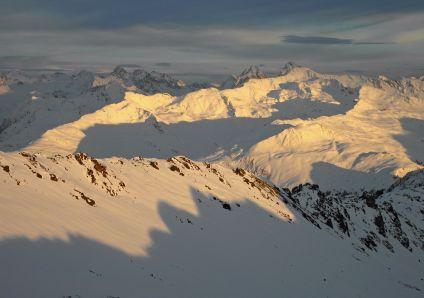 Pischa Horn in evening sun (Davos)