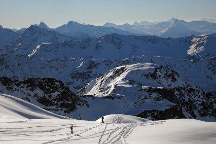 View from Pischa Horn towards East