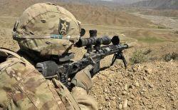 英のスナイパーがたった1発の銃弾で、ISISのメンバー3人を狙撃し住民を救う