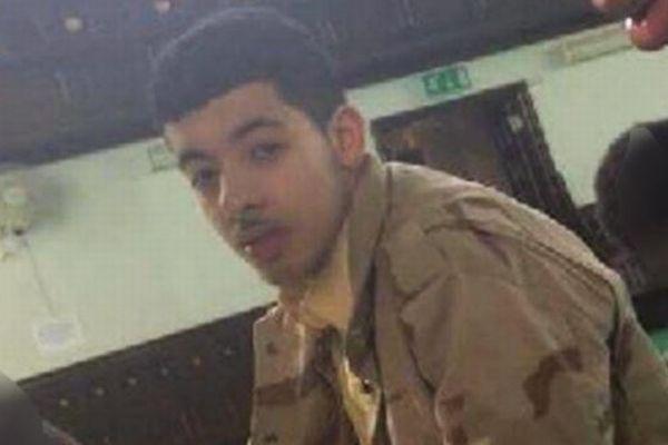 家族ぐるみの犯行か?英自爆テロ犯の父親や兄弟も相次いで拘束される