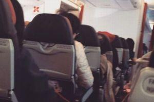 機内が異常な振動に見舞われ、航空機が空港に引き返す事態が発生