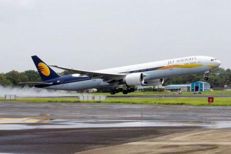 インドの航空会社が機内で生まれた赤ん坊に、一生使えるフリーチケットをプレゼント