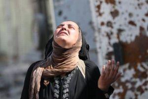 陥落寸前のモスルで、ISISから逃げてきた住人の多くが脱水症状や栄養不良に