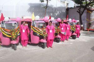女性による、女性のための新しいタクシー・サービスがインドに登場