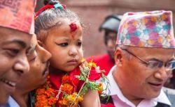 年齢はわずか3歳、ネパールで新しい女性の生き神「クマリ」が誕生