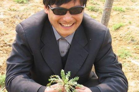 中国での迫害から逃れた盲目の人権活動家、陳光誠氏が初来日、日本の役割にも期待を示す