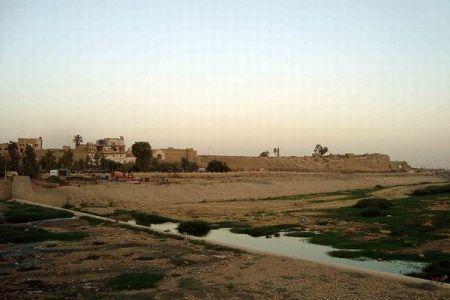 イラク軍がクルドの支配する軍事基地を奪還、ペシュメルガは抵抗せず撤退する