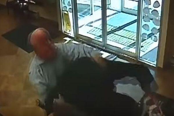 年齢はなんと63歳、銃を持った銀行強盗を撃退したおじいちゃんがヒーローに