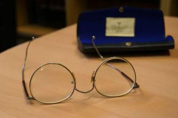 盗まれたジョン・レノンの所持品100点以上が、ベルリンで発見される
