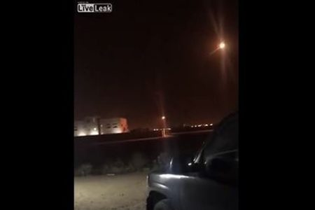 イエメン武装勢力が弾道ミサイルを発射、サウジアラビアが迎撃し撃ち落とす【動画】
