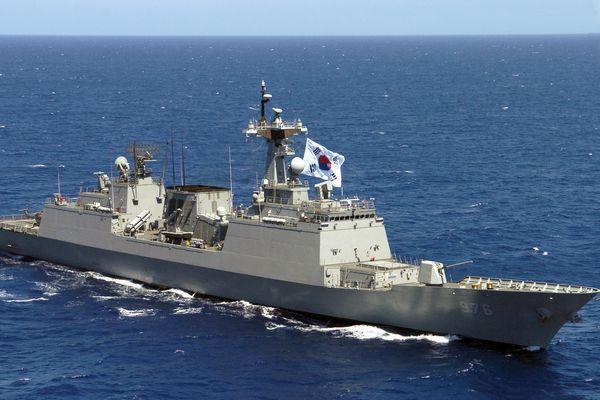 アフリカ沖で海賊が3人の韓国人を拉致、海軍が駆逐艦「文武大王」を派遣