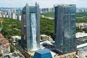高さ108mから水が落ちてくる!中国で作られた巨大な滝のビルが話題に