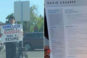 道路上で仕事を求める看板を掲げたホームレス、ネットの力でオファーが殺到