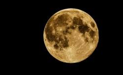 月面に氷はやっぱり存在した!その確かな証拠が発見される