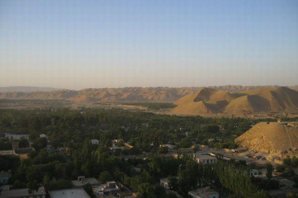 アフガンで強制的に結婚させられた少女が、夫から拷問の末に殺害される